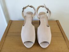 Ladies BNWT Clarks Nude/Blush Peep Toe Shoes, Buckle Fastening, Size 5