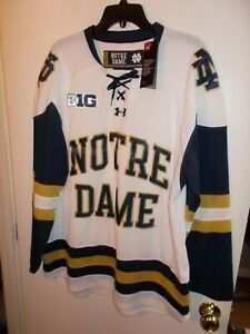NWT Mens Large White Under Armour Notre Dame Loose Fit Hockey Jersey New $110