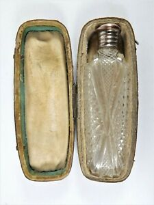 STUNNING ANTIQUE CUT GLASS SCENT BOTTLE IN ITS OWN LEATHERETTE CASE REF 1136