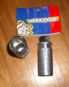NOS 1997 Vintage Mid School BMX Steel Axle Extenders Pegs Mongoose Rear 26TPI