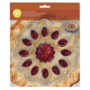 Wilton Sunflower Pie Crust Cutter, 2308-0-0205