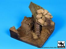 Black Dog 1/35 Trench w/Destroyed Sherman Section Diorama Base (90x80mm) D35045
