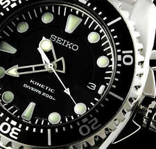 NEW MEN'S SEIKO KINETIC 200M DIVER'S ANALOG BLACK DIAL SPORTS WATCH SKA371P1