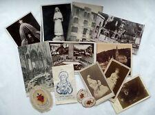 LOT DE CARTES POSTALES ANCIENNES, PHOTOS ET DIVERS OBJETS DE DEVOTION