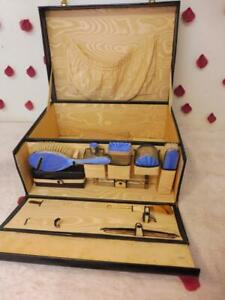 STUNNING VINTAGE LEATHER DRESSING CASE WITH SILVER BY THE MAKER DREW & SONS
