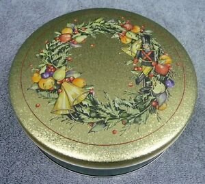 Round Green Tin With Gold Lid Christmas Wreath on Lid