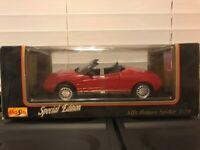 Maisto 1995 Alfa Romeo Spider Convertible Diecast 1:18