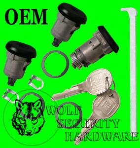 GM Chevy Door Lock (Medium) Key Cylinder Pair & Trunk Lock BLACK 2 GM Logo Keys