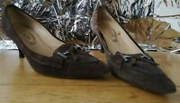 TOD'S SHOES US8.5 UK5.5 EU38.5 brown suede leather point toe kitten heel