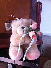FOREVER Friends 6 in (ca. 15.24 cm) Bear holding 3 Peach Rose
