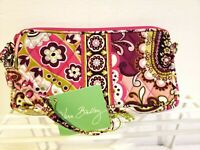 Vera Bradley Wristlet Wallet Very Berry Paisley Large Zip Around Retired NWT