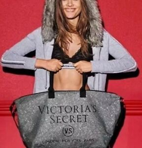$99 CHRISTMAS GIFT~VICTORIAS SECRET~SILVER SPARKLY GLITTER WEEKENDER TOTE DUFFLE
