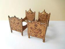antike alte Puppenmöbel Puppenstubenmöbel Holz mit Brandmalerei  Bett Betten