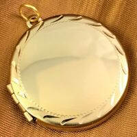 VINTAGE ETCHED LOCKET NECKLACE PENDANT CHARM GOLD TONE METAL