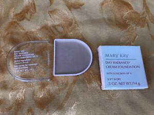 Mary Kay Day Radiance Cream Foundation Soft Ivory (6297)sunscreen SPF 8
