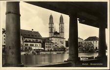 Zürich Schweiz Postkarte ~1930/40 Durchblick auf das Grossmünster ungelaufen
