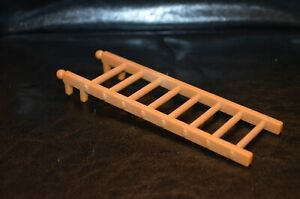 SYLVANIAN FAMILIES - COPPER BEACH/COSY COTTAGE SPARES - LADDER - SY1027