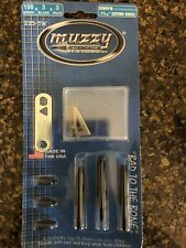 """Muzzy 225-3W 100gr 3-Blade 1 3/16"""" Stainless Steel Broadhead Arrows - 3 Pieces"""