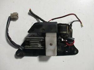 Lichtmaschinenregler, Anlasserrelais und Sicherungskasten für Suzuki GS 25 X
