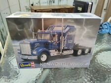 revell kenworth W900 truck model kit 1/25 model kit Sealed