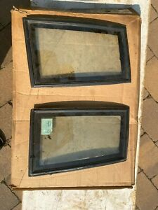 Pair of corner glass with black trim for 84 to 87 Buick Grand National and t