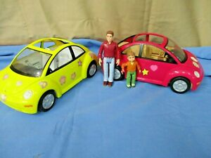 F.P. LOVING FAMILY DOLLHOUSE BEETLE BUG VOLKSWAGON CAR PINK/YELLOW/FIGURES