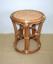 Sitzbänke & Hocker aus Rattan für die Terrasse