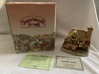 """HAND-SIGNED David Winter Cottages """"Whileaway Cottage"""" 1993 Vintage w/ COA & Box"""