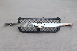 P201245 1999-2002 Chevrolet Silverado Heavy Duty Front Grille 2500 3500 SEE PICS