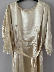 **ORIGINAL ORNATE ANTIQUE 1920's FLAPPER STYLE CREAM WEDDING DRESS - DAMAGED**