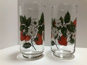 Strawberry Drinking Glasses Vintage Set Of 2 Lot Bright Excellent Condition Tea