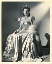 EXQUISITE ANN MILLER PHOTO BY WALTERS - 1945 N MINT CON