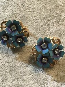 Pretty Vintage Earrings - Signed Avon, Clip On