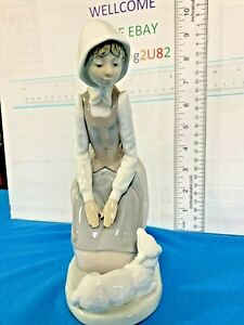 "Lladro Nao Porcelain Figurine Girl with Scarf Lamb 8.5"" Spanish Collectible"
