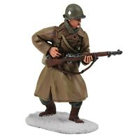 W Britain 25040 US 101 Airborne Infantry Wearing Overcoat Reaching Ammo Soldiers