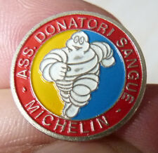 RARE PIN'S VOITURE PNEU MICHELIN BIBENDUM ASS DONATORI SANGUE