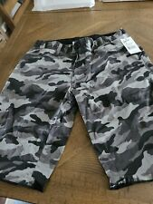 NWT!  $85 HOWE MENS BUTTONFLY BOARD SHORTS HANDS DOWN CAMO/BLACK NEW 30