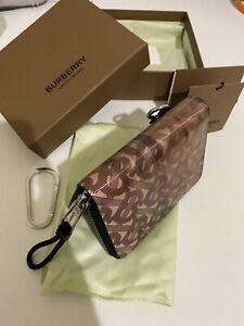 Burberry Zipped Wallet Hologram Zipper 8021188