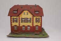 Kibri H0 Mietshaus Wohnhaus Stadthaus fertig aufgebaut
