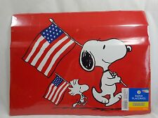 """SNOOPY AND WOODSTOCK Paper Placemats 8 Pack 13"""" x 17"""" Red USA Flags Peanuts 2015"""