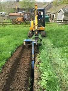 TRENCHER WITH 3 TON DIGGER HIRE, IN BAKEWELL, DERBYSHIRE.