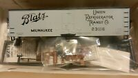 Walthers HO Wood Billboard Reefer Kit, Blatz Beer, NIB