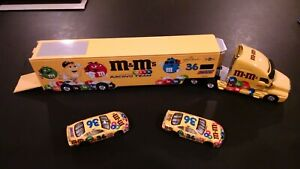 Hot Wheels NASCAR Racing M&M's Trailer and 2 cars