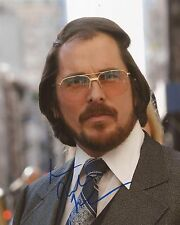 AMERICAN HUSTLE: CHRISTIAN BALE 'IRVING ROSENFELD' SIGNED 10x8 ACTION PHOTO+COA