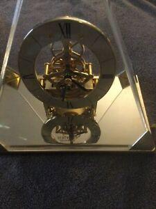 Vintage Seiko Triangle Quartz Pyramid Mantel Table Skeleton Clock Model QAW109G