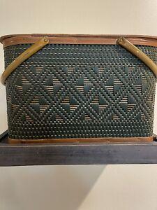 1977 Vintage Hawkeye Burlington Picnic Basket  Woven Metal Handles Wood & Table