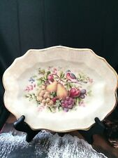 white porcelain plate Avon 1976 22 karate gold Hand Decorated From EnglandOn