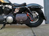 Sporty Skull Black Schwinge Saddle bag Satteltaschen Harley Davidson Sportster
