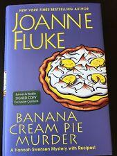 A Hannah Swensen Mystery: Banana Cream Pie Murder Joanne Fluke (2017, HC) SIGNED