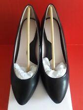 b68fe17a320 Taryn Rose Black Leather Women s Heels Pumps Size ...